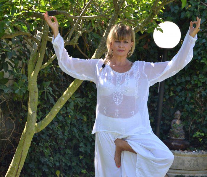 Carla Anastasi insegnante Hatha Yoga –  Associazione Culturale BenessereYoga Via Tuscola 928 Roma